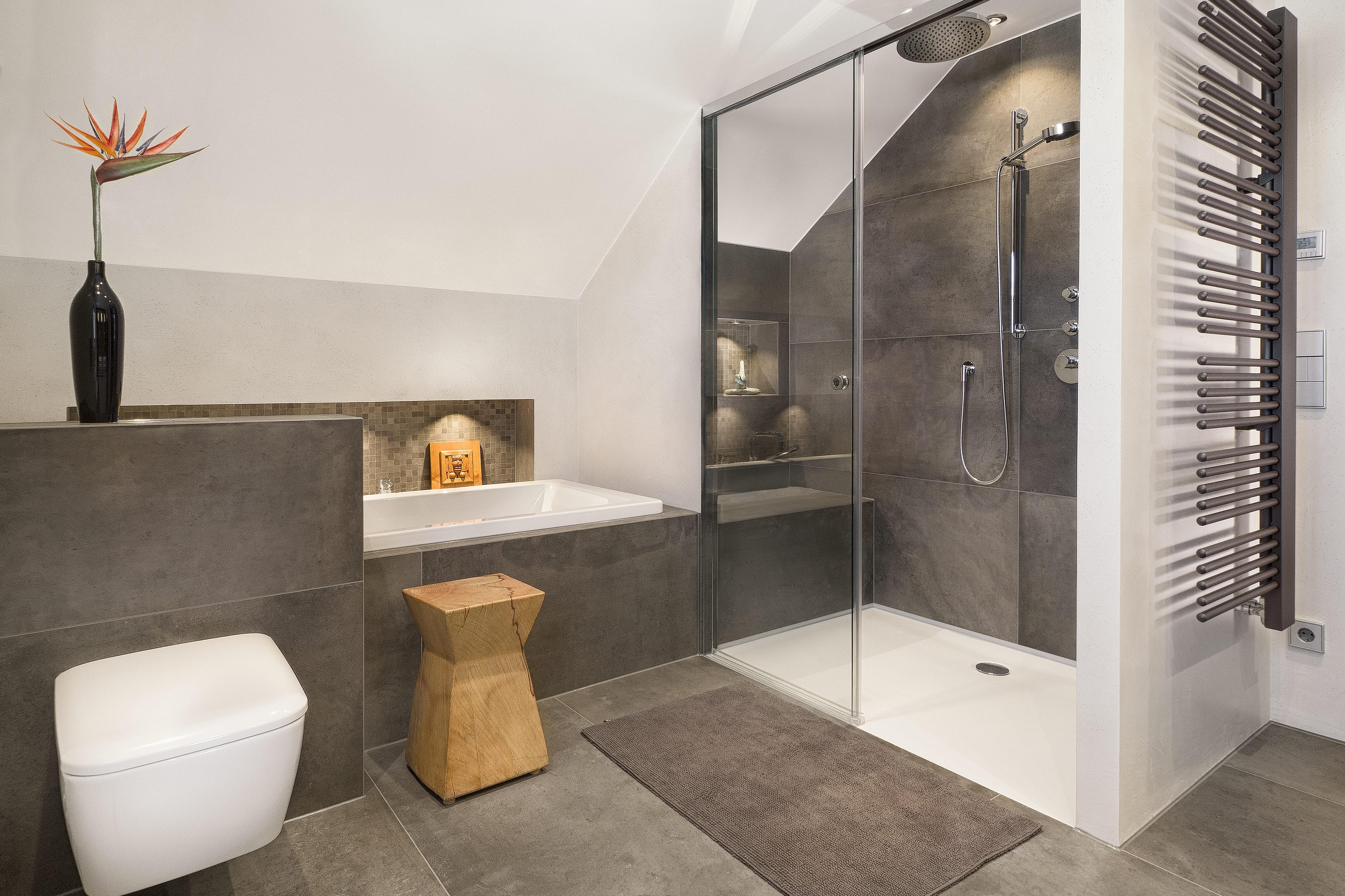 Hier Finden Sie Bilder Von Weiteren Von Uns Geplanten Und Realisierten  Badezimmern. Zum Vergrößern Bitte Auf Das Entsprechende Bild Klicken.